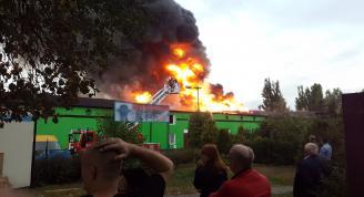 Hala na Naramowicach w ogniu. Zobacz relację